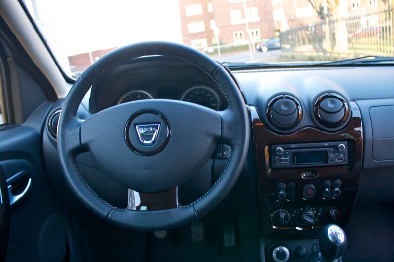 Dacia-Duster-interior