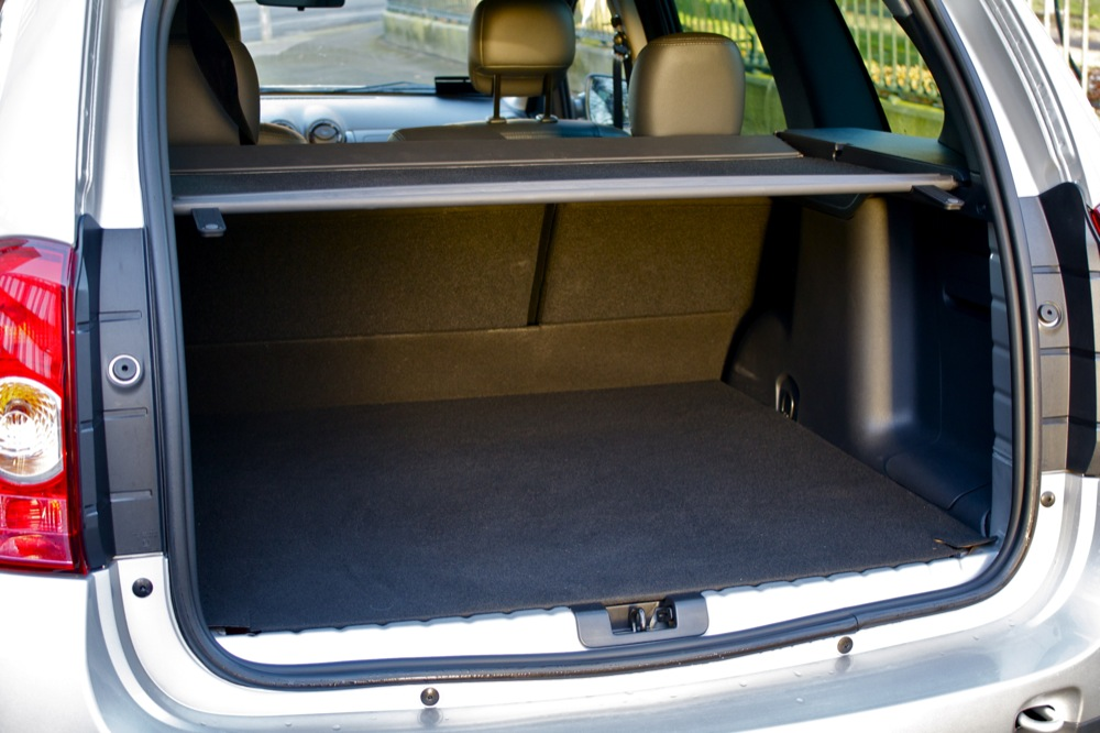 dacia duster boot. Black Bedroom Furniture Sets. Home Design Ideas