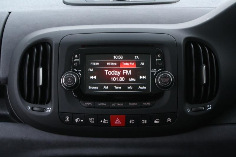 Fiat 500L console