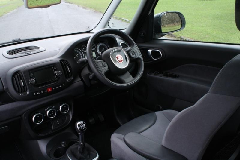 Fiat 500L interior front