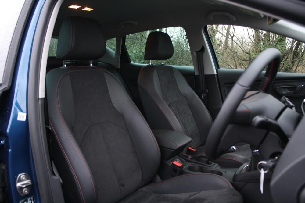 SEAT Leon FR interior |