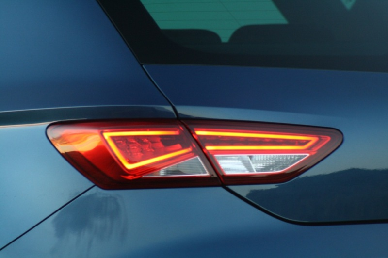 SEAT Leon FR rear light
