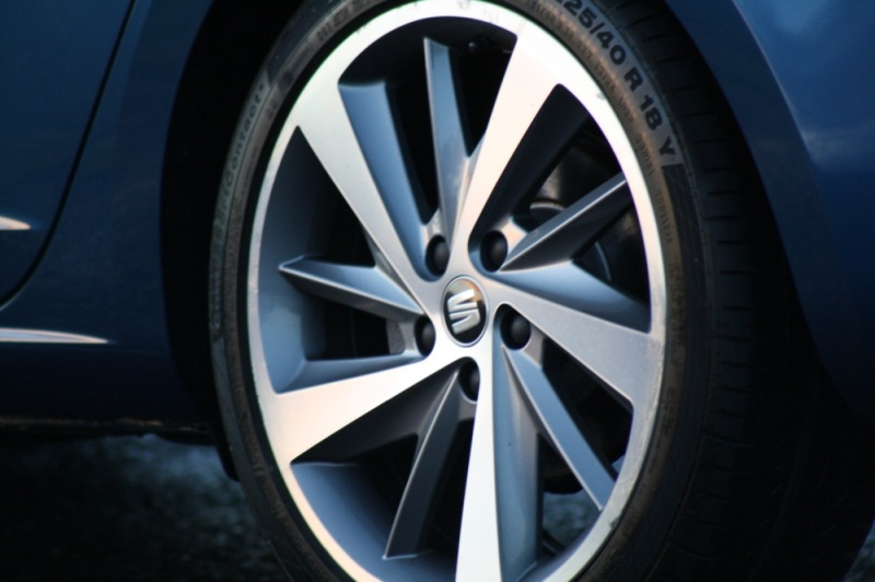 SEAT Leon FR wheel